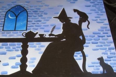 bruja escribiendo para blog